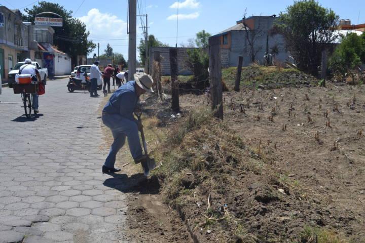 Con faenas de limpieza mejoramos la imagen urbana del municipio: Pluma Morales