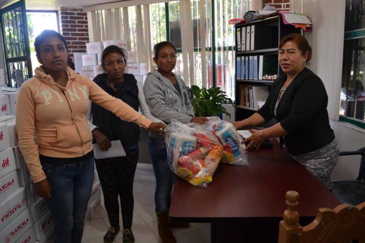 El SMDIF de Tlaltelulco apoya a personas vulnerables
