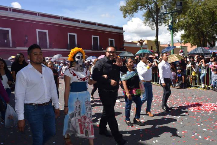 Xicohtzinco se suma al desfile de feria de Tlaxcala con un chivarrudo gigante