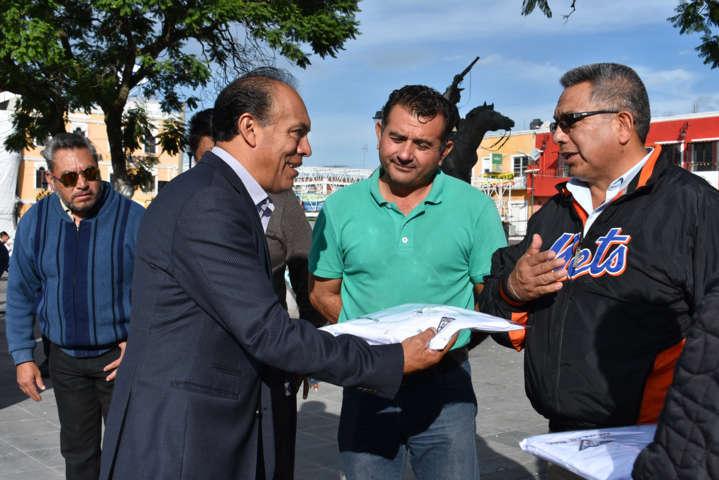 Orea Albarrán reconoce la labor de los taxistas del municipio