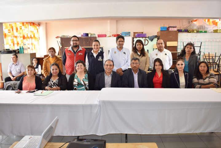 Combate gobierno municipal de Zacatelco rezago educativo
