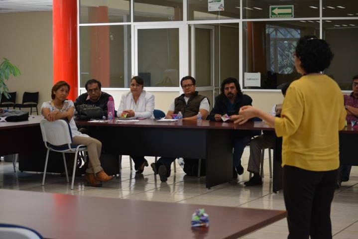 Participan en taller docentes del campo disciplinar de matemáticas: Cobat