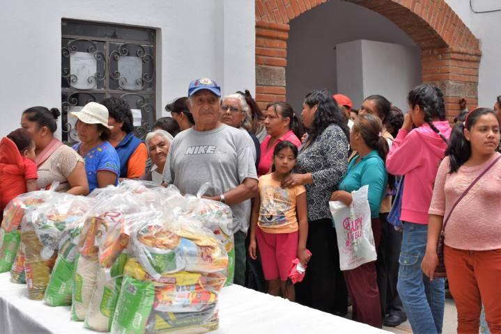 Ayuntamiento contribuye con la alimentación de las familias zacaltelquenses