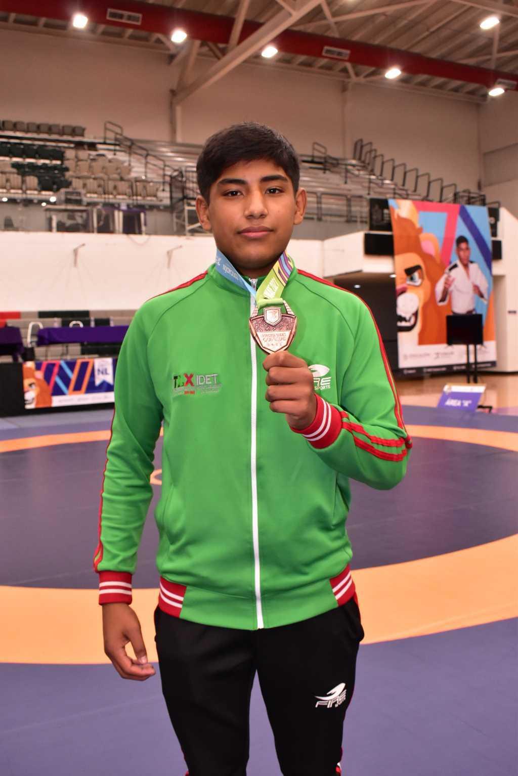 Suma Tlaxcala segunda medalla en Luchas Asociadas