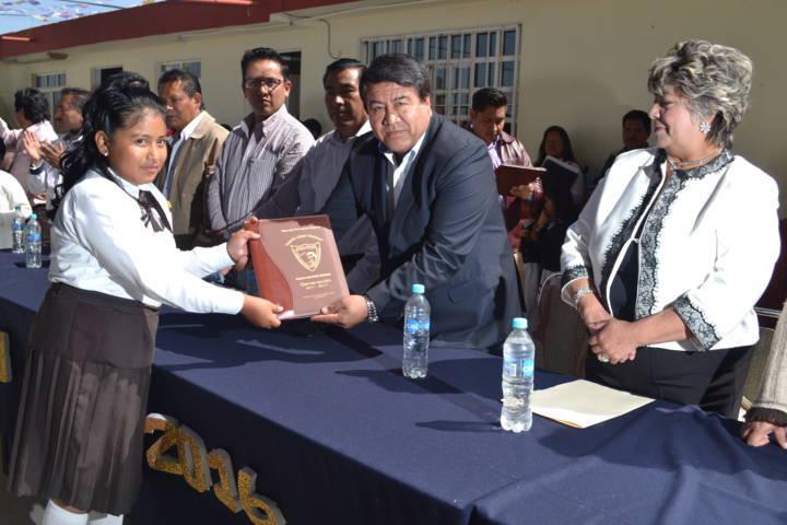 La educación es primordial en mi gobierno: Pluma Morales