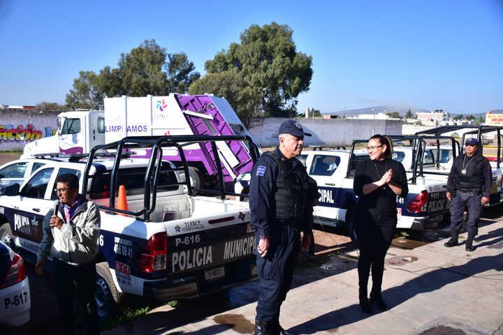 Adquiere Tlaxco primera patrulla turística y compactador de basura