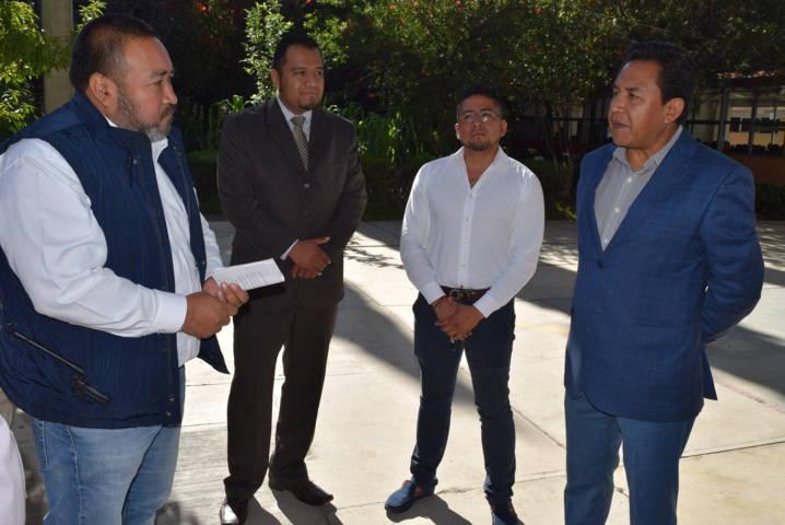 Directivos de la Isidro Burgos reconocen el apoyo del alcalde a favor de la educación