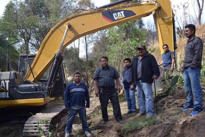 Alcalde se suma a los trabajos de limpieza en la barranca Yoalcoaltl
