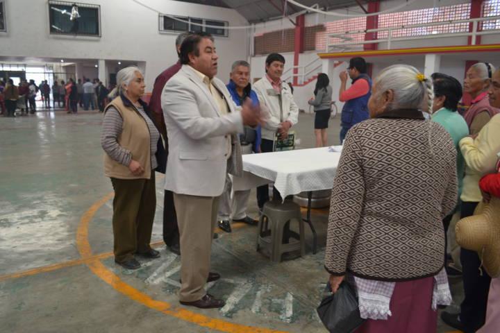 Pluma Morales preserva las tradiciones del día de la Candelaria