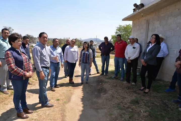 Alcalde entrega obras de servicios básico y mejoramiento urbano