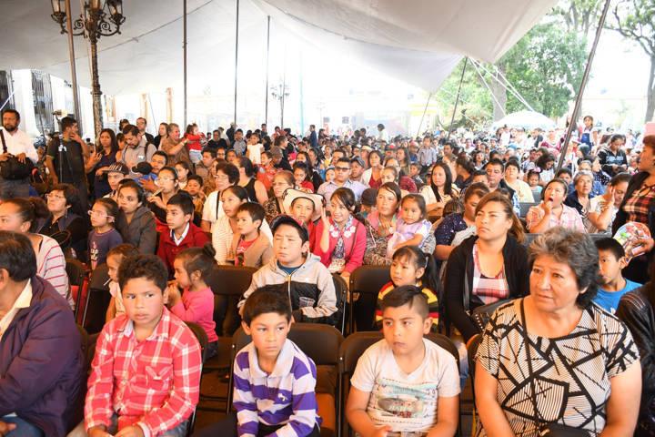 Celebra Tlaxco día del niño y comparte miles de sonrisas