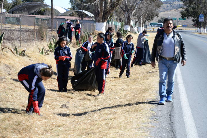 Alcalde fomenta la cultura de recolección de basura con jornada de limpieza
