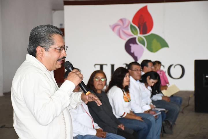 """Reciben productores tlaxquenses apoyos del programa """"El Campo En Nuestras Manos"""""""