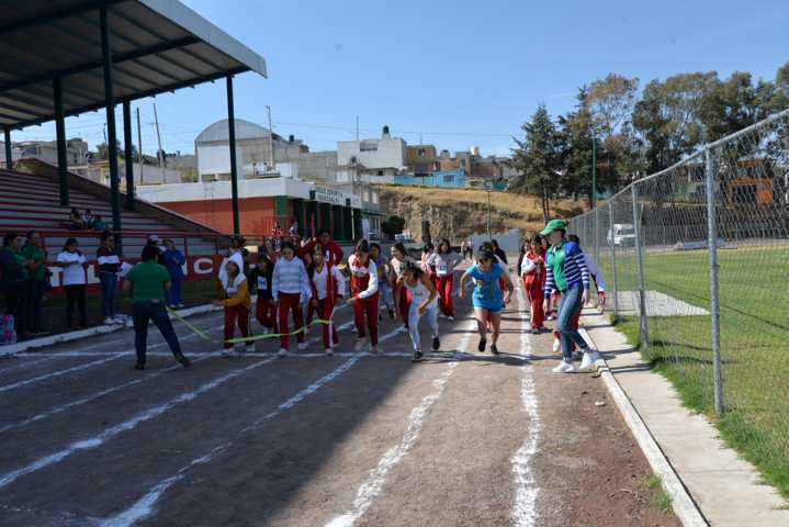 Conmemora SMDIF de Nanacamilpa Día Internacional de la Mujer con una carrera atlética
