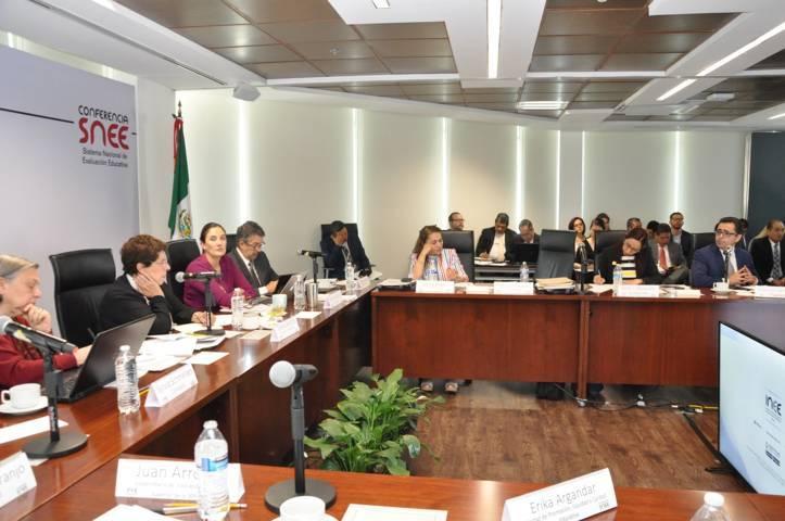 Presenta Tlaxcala ante INEE estrategias para avanzar en la mejora educativa