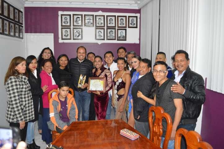 Unieron lazos  artísticos y culturales entre  Santa Cruz Tlaxcala y Colombia