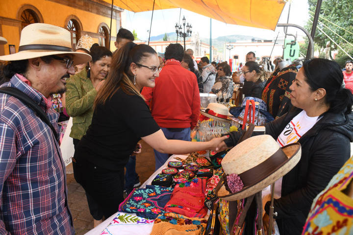 Celebra Tlaxco Décimo Festival del Artesano