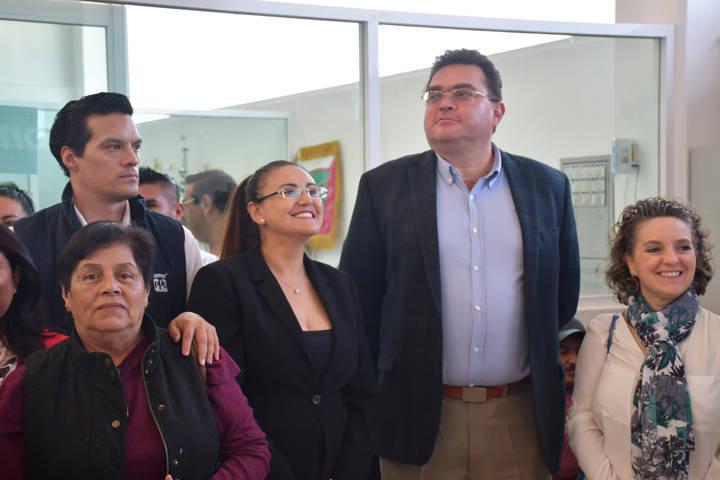 Rehabilitan fachada e interiores del Complejo Deportivo Integral de Tlaxco