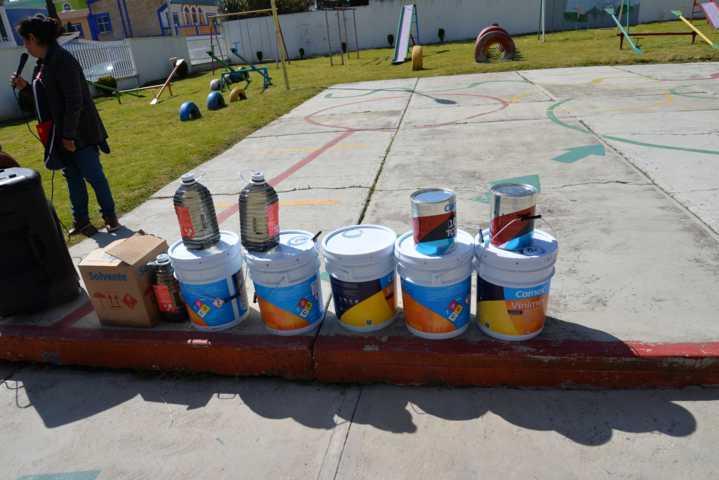 Alcalde mejora la imagen del preescolar Manuel Ávila Camacho con pintura
