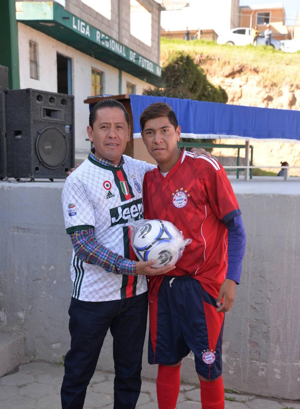 Sánchez Flores impulsa el deporte en niños y jóvenes con torneo de futbol