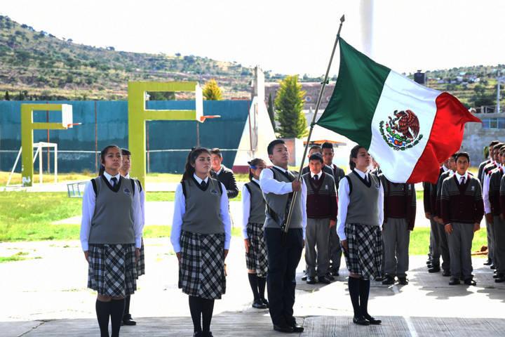 Apoya Alcaldesa De Tlaxco a escolta que representa a Tlaxcala en Quintana Roo