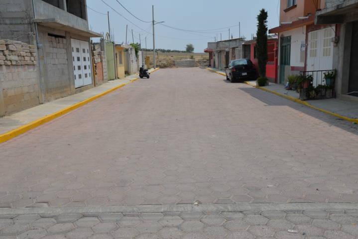 Alcalde mejora la imagen urbana de 2 calles con 881 m2 de adoquín
