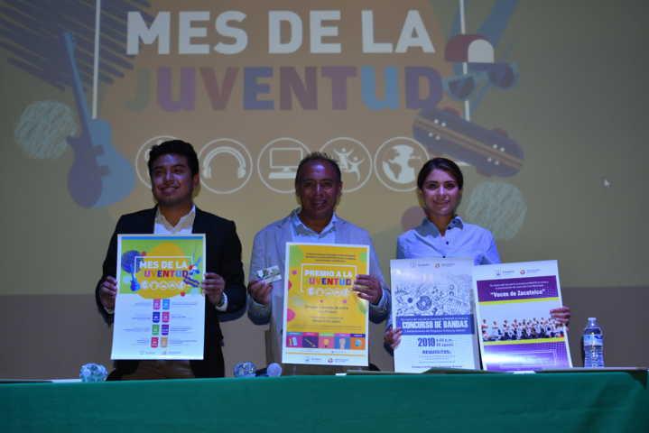 IMJUVE Zacatelco presentó calendario del mes de la juventud