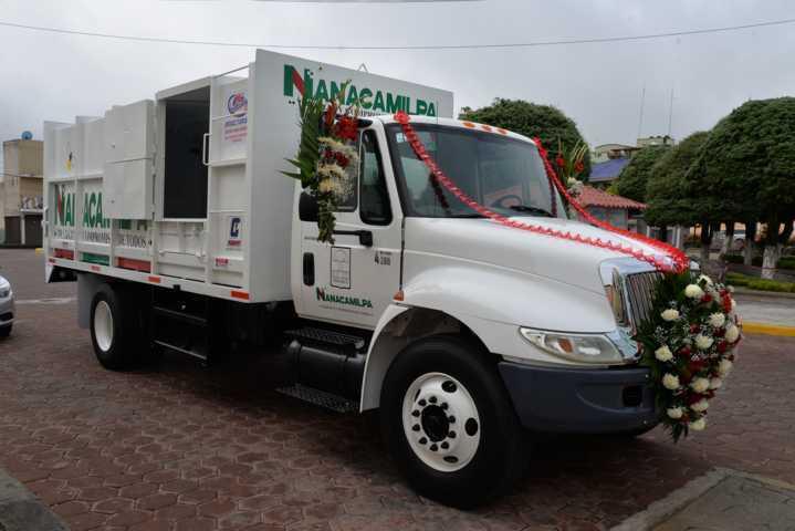 Mejorará Nanacamilpa recolección de basura con rehabilitación de camión compactador