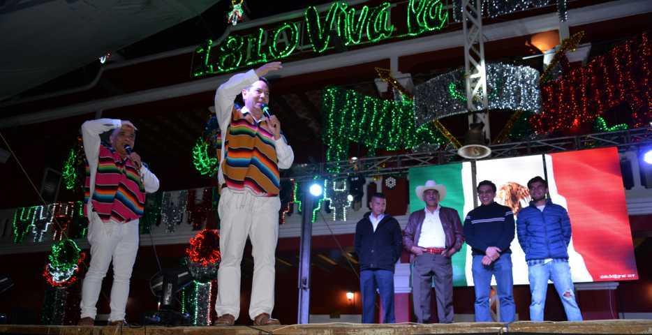 Alcalde conmemoró el 209 de la gesta nacional dando el Grito de Independencia
