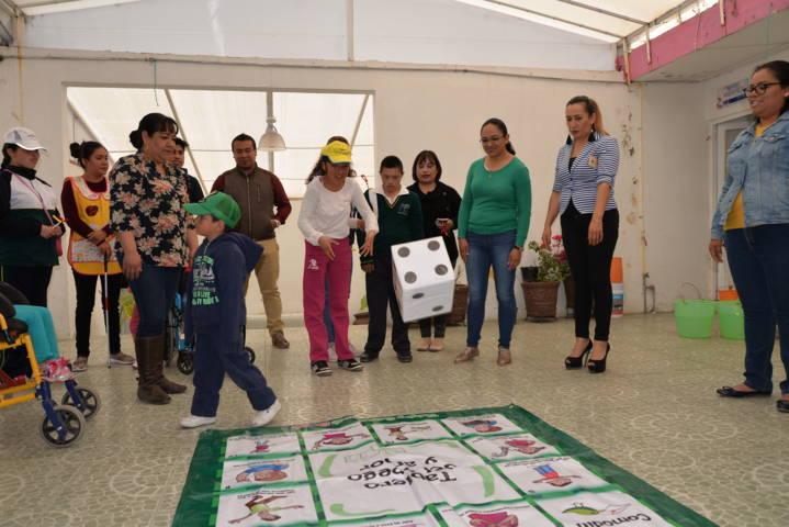 Alumnos del CAM 7 visitan el DIF municipal