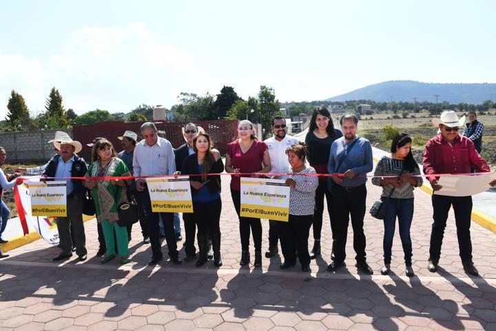 Inaugura Tlaxco adoquinamiento de 3 mil metros cuadrados en Quintanilla
