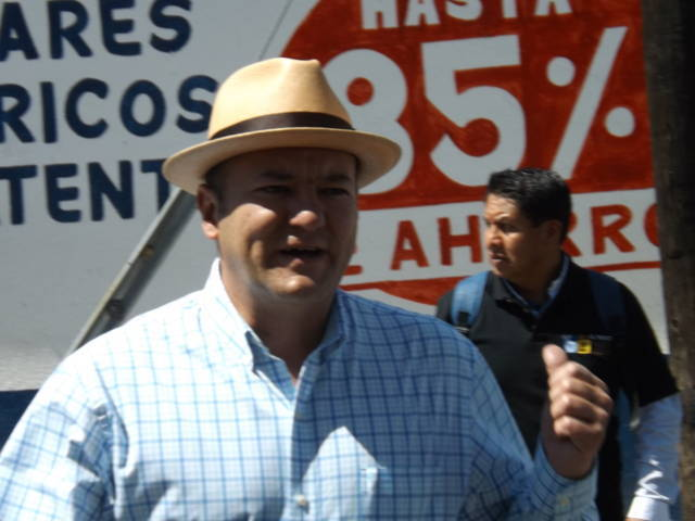Habitantes de Chiautempan se adhieren al proyecto de Juan Corral
