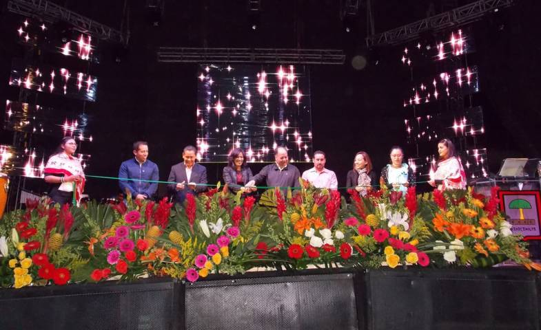Presenta Nanacamilpa eventos artístico-culturales en el 4to festival de la luciérnaga
