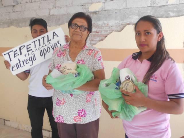 Entrega SMDIF de Lardizábal despensas a personas damnificadas por sismo