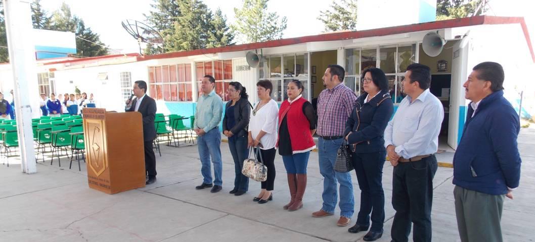 Apostarle a la educación es mejorar el progreso del municipio: alcalde