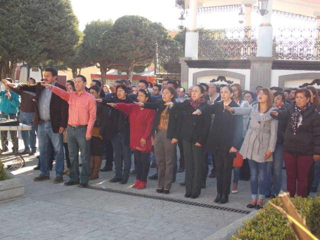 Ayuntamiento de Nanacamilpa conmemora el 77 Aniversario del Día de la Bandera