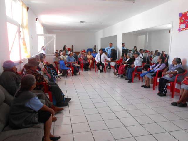 Ayuntamiento imparte pláticas preventivas de salud y violencia