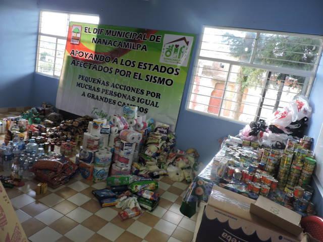 Entrega SMDIF Nanacamilpa Casi una tonelada de víveres a damnificados del sismo