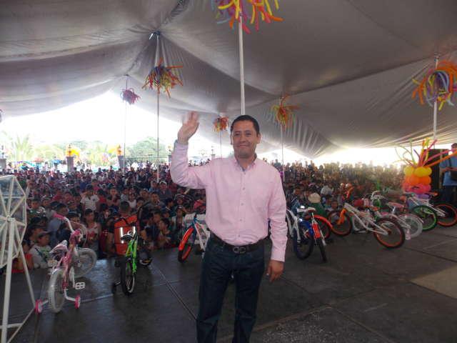 Niños y Niñas de Nanacamilpa desbordaron alegría en su festejo