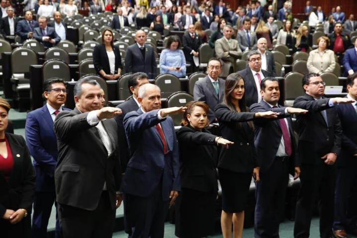 Rinde protesta suplente de Lorena Cuéllar en la Cámara de Diputados