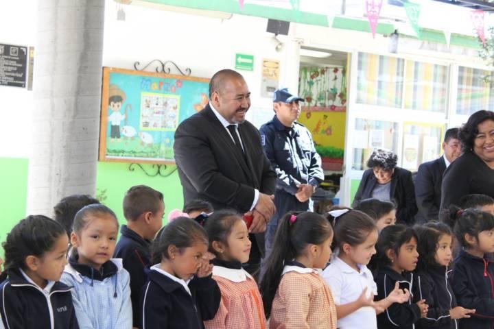 Alcalde refrenda su compromiso con la educación rehabilitando 9 escuelas