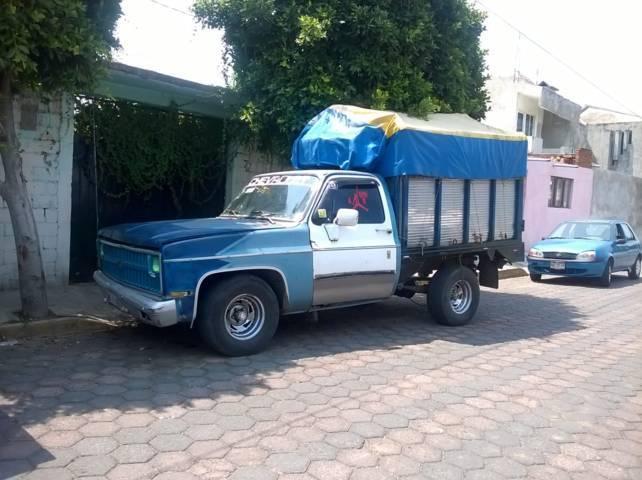 Policías municipales de Zacatelco recuperan camioneta robada