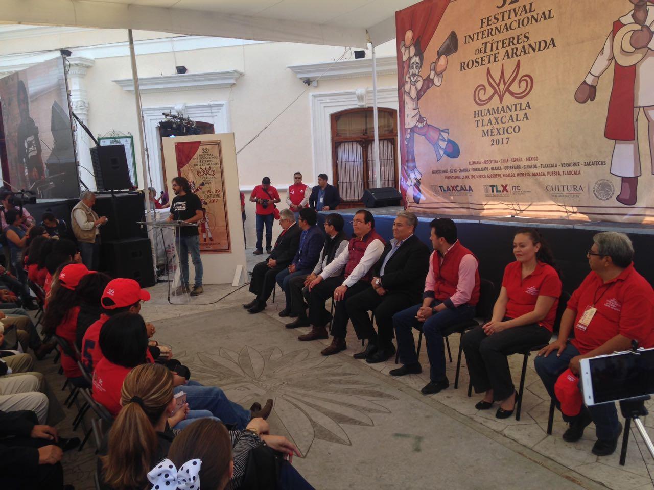 Clausuran festival internacional de títeres