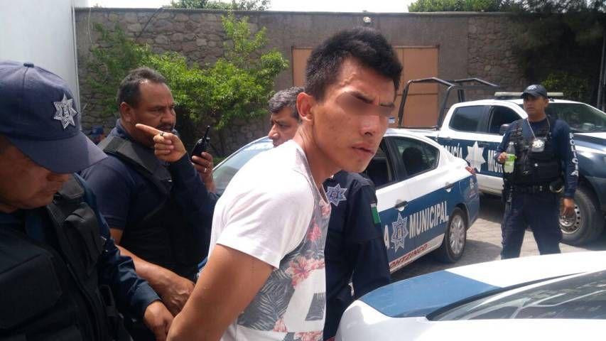 Detienen a presunto asaltantes en Papalotla