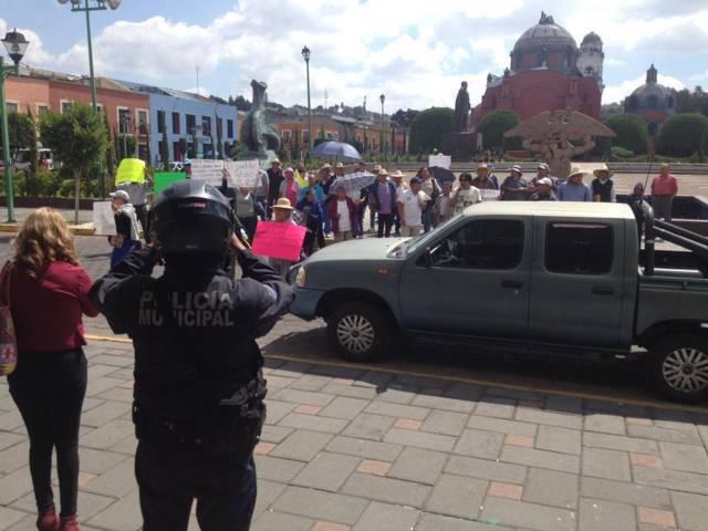 Sindico de Ixtenco manda a sus aliados a manifestarse en el Congreso