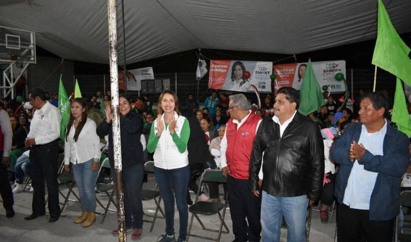 Militantes y simpatizantes del PVEM respaldan a Sandra Corona