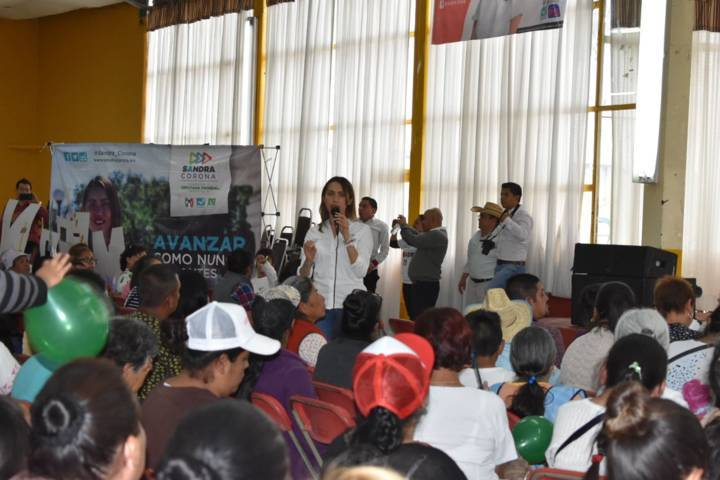 Comerciantes y campesinos de Calpulalpan garantizan el tirunfo de Sandra Corona