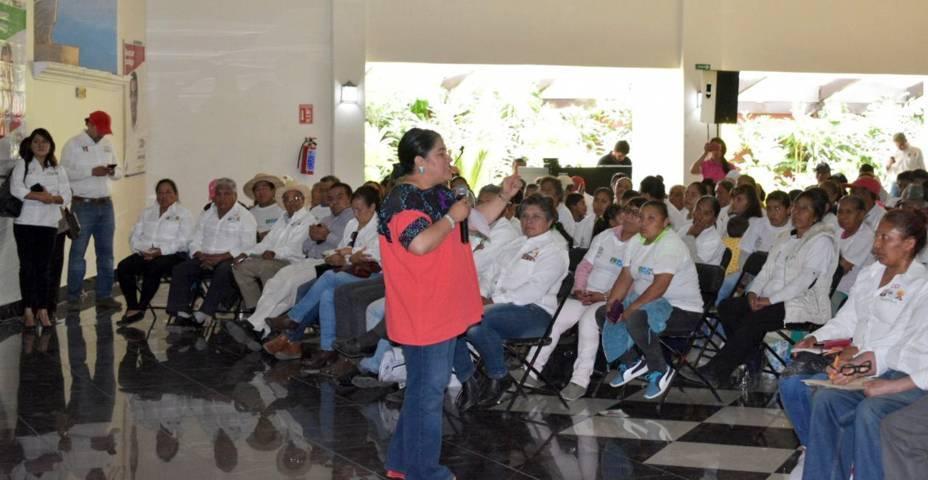 Blanca Águila refrenda su compromiso con el campo tlaxcalteca