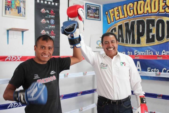 Respaldan deportistas a Florentino Domínguez rumbo al Senado de la República