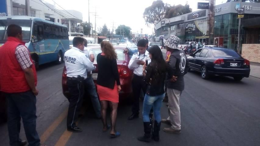 Reportan un accidente vial en la carretera Ocotlán- Chiautempan